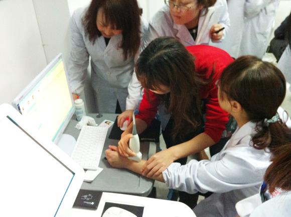 我公司技术人员赴宁夏进行健康小屋安装调试